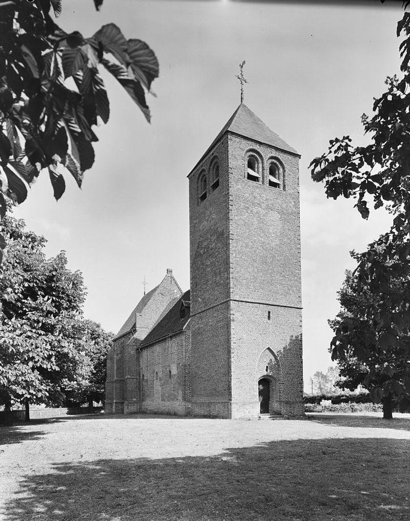 Dennenburg-kerk02