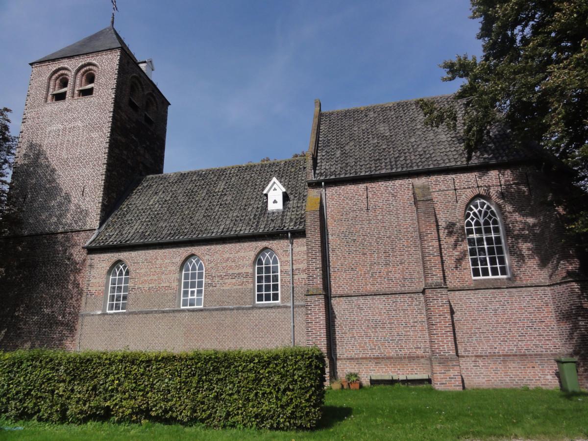 Dennenburg-kerk03