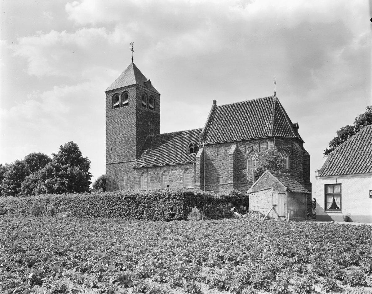 Dennenburg-kerk04
