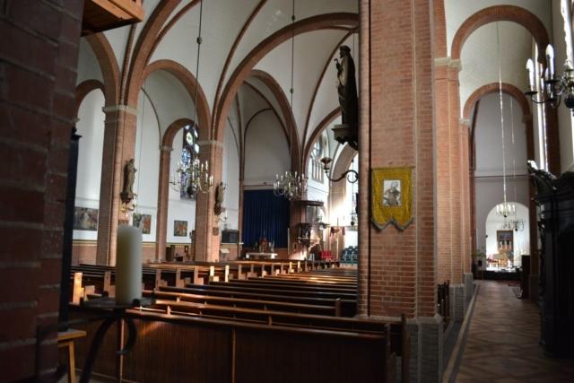Ewijk-kerk02
