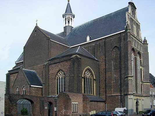 Grave-kerk01