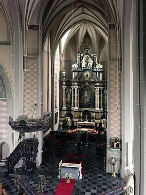 Grave-kerk02