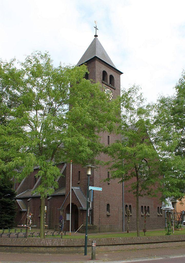 Hegelsom-kerk01