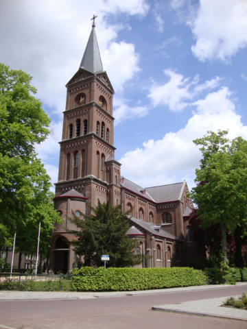 Hernen-kerk01