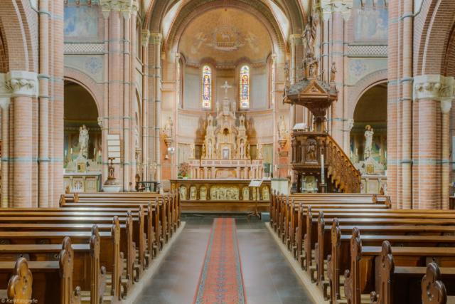 Hernen-kerk02